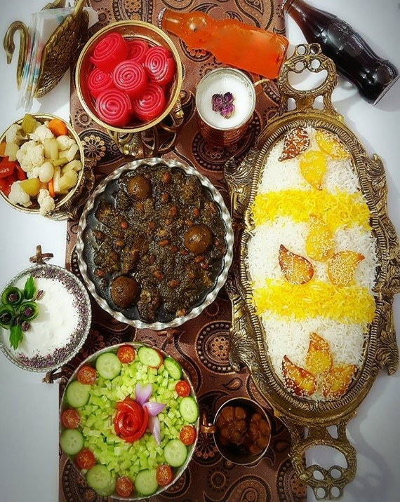 Sabzi-Khoresht-IranFood-Irantours-Zhinotours