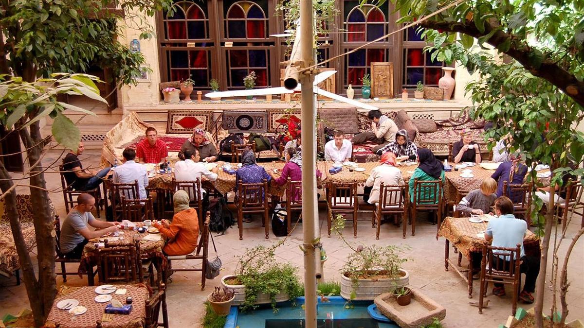 Shiraz-niyaesh-Hotel