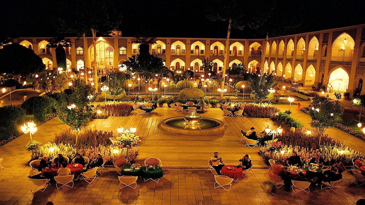 abbasi-hotel-Isfahan-Iran-Zhinotours