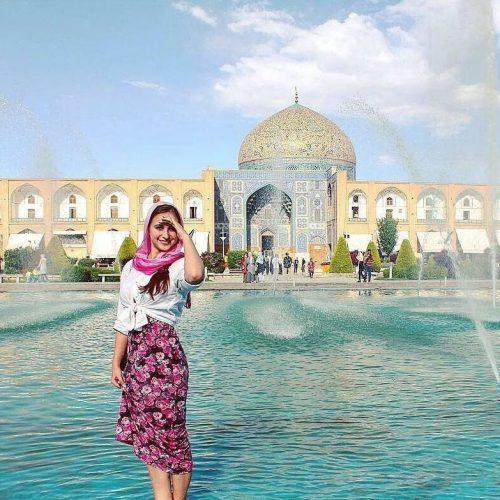 iran-tourist-Isfahan-Zhinopars